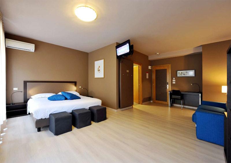 Hotel M14***